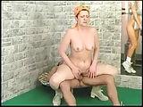 Putzfrau im Fitnessstudio genagelt