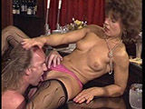 Geile Nylon Schlampe im Retro Porno