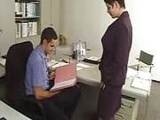 Sekretärinnen ficken am Arbeitsplatz