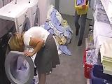 Hotelangestellte in der Waschküche gebumst