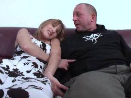 Geiler Fick zwischen Vater und Tochter